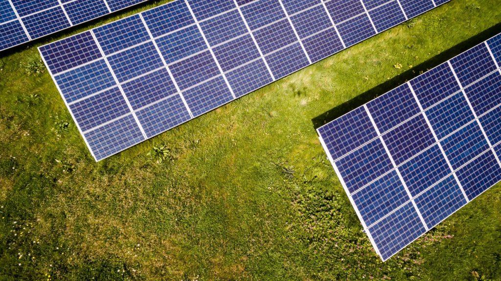 Markbundna solceller
